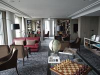 'The Library' im Luxushotel Waldorf Astoria Berlin