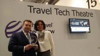 Ilja Poepper bekommt den Global Award 2013 / Bildquelle: PRNewswire
