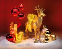 Weihnachtskugeln in Rot und Gold sind immer noch ein Knaller, Bildquellen Deko Woerner