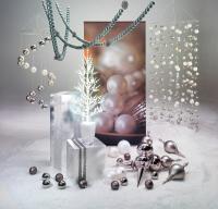 Stahlgraue Weihnachtskugeln - le dernier crie der Dekoszenerie am Weihnachtsbaum
