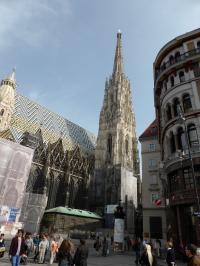 Die Deutschen generierten 2012 in Österreich insgesamt 24,6 Millionen Übernachrungen, fast die Hälfte allein in Wien - die europäischen Metropolen befügeln den Städtetourismus; hier Wien Stephansdom, Bildquelle Hotelier.de
