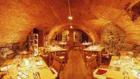 Das historische Kellergewölbe ist ein stimmungsvoller Ort zu feiern