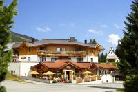 Aussenansicht Sommer Wohlfühlhotel Castello Königsleiten