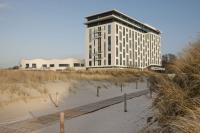 Aussenansicht vom a-ja Das Resort Warnemünde / Bildquelle: a-ja Resort und Hotel GmbH