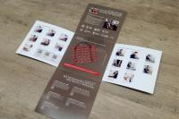 Im 15 x 15 cm und aufklappbaren Kompaktformat bietet die neue THERMO BODEN Planer-Mustertasche einen umfassenden Überblick über die elektrische AEG Fußbodentemperierung, die in nahezu allen Einsatzbereichen und unter jeder Bodenbelagsart zum Einsatz kommen kann. / Bildquelle: EHT Haustechnik GmbH / Markenvertrieb AEG