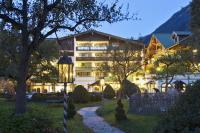 Außenansicht am Abend / Bildquelle: Alpendomizil Neuhaus