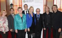 Gruppenbild Swing Matinee 2016: (v.l.n.r.)  Christa Schmidt (Öffentlichkeitsarbeit noris inklusion), Christian Schadinger (GF noris inklusion), Helga Krahn-Heubeck (stellv. Vorsitzende Förderverein),  Jörg Schlag (GF Arvena Hotels),  Hildegard Pohl (Konzertpianistin),  Oskar Schlag (Hotelier Arvena Hotels), Jogo Pausch (Schlagzeuger),  Norbert Meyer-Venus (Kontrabass)