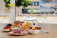 Das erweiterte  B&B Hotels Frühstück, lecker! Foto Mario Andreya, freigegeben von wilde.de