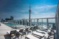 Bisha, Toronto Rooftop Pool / Bildquelle: Brian Hamilton
