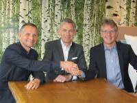 v.l.n.r: Jan Lamme (Lamme Groep B. V.), Marc van Boekholt (Blycolin), Ralf Hellmann (Dibella) / Bildquelle: Blycolin Textile Services GmbH