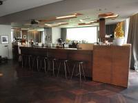 Hier wird es auf keinen Fall langweilig: An der Bar des Berliner Hotels 'Das Stue' / Bildquelle: Sascha Brenning - Hotelier.de