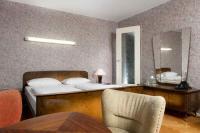 50er Jahre Möbel im Days Inn Kassel Hessenland