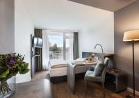 Warme Töne dominieren das neue Interieur / Bildquelle: Derag Livinghotels