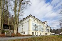 Noch liegt das Schloss Rabenstein bei Zwiesel im Dornröschenschlaf: eine Neueröffnung des Historischen Schlosses samt Erweiterung um eine harmonisch ergänzte Dependance ist für 2016 fest angestrebt. / Bildquelle: Dorint Hotels & Resorts