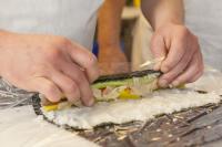 Sushi mit SJÖ, Alge, eingelegtem Rettich, Gurke und Wasabi. / Bildquelle: Friesenkrone