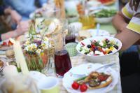Bunter Grilltisch, der Sommer läßt grüßen: Bildquellen Marriott Hotel München