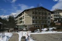 Nahe am Königssee und Watzmann vor Salzburg gelegen, ist das Hotel Hochkalter im Winter der perfekte Ausgangspunkt zum Skifahren sowie zum Bergsteigen und Wandern im Sommer / Bildquelle: german contract