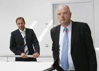 Dirk Hunke (rechts) und Roland Gilges, beide Geschäftsführer bei ger-man contract, sorgen mit Contracting für mehr Energieeffizienz und we-niger CO2-Ausstoß in Deutschlands Heizungskellern / Bildquelle: german contract