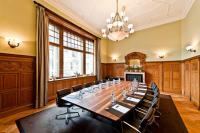 Der denkmalgeschützte Boardroom des Les Trois Rois / Bildquelle: Katja Hasselkus