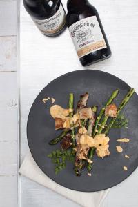 Zum Start der Grillsaison präsentiert Grevensteiner Original ein besonderes Spargel-Gericht für den Grill / Copyright: Brauerei C. & A. Veltins