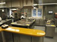 Einsicht in die Küche vom 'Das Stue' in Berlin-Tiergarten