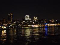 Hamburg ist zu jeder Tageszeit ein echtes Highlight. Hier der Blick auf die Landungsbrücken / Bildquelle: Sascha Brenning - Hotelier.de