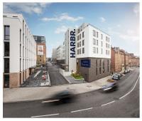 Personalisierte Wohnungen mit Hotel-Komfort: Die DQuadrat Living GmbH vermietet 44 Apartments im neuen Ludwigsburger Boardinghouse HARBR. Quelle: