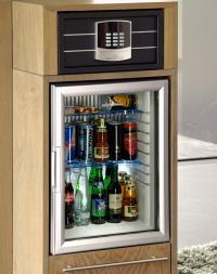 Besonders harmonisch zusammen - die neuen HARTMANN-Safes und -Minibars / Bildquelle: Hartmann Tresore AG