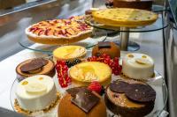 Leckere Törtchen im Wiener Kaffeehaus - wer nein sagt, hat selber Schuld; Bildcredit Hotel De Medici