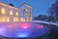 Ansicht mit Außenpool / Bildquelle: Hotel Gut Ising