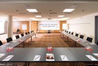Moderner und geräumiger Seminarraum / Quelle: Hotel Stadt Kufstein