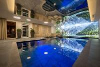 Indoorpool / Quelle: Alpin Panorama Hotel Hubertus
