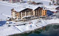 Aussenansicht im Winter / Bildquelle: Hotel Post am See