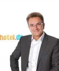 Dr. Heinz Raufer / Bildquelle: hotel.de AG