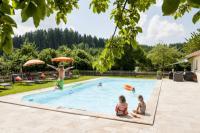 Huberhof Pool / Bildquelle: NEOCOMM Media & Communication GmbH
