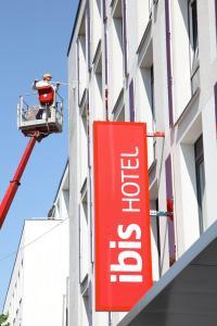 Neue Fassadengestaltung des ibis München City West
