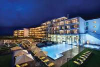 Aussenansicht bei Nacht / Bildquelle: Kempinski Hotel Das Tirol