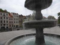 Ljubljana Brunnen auf dem Platz Novi trg