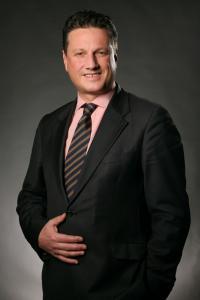 Eric Hübbers ist neuer Head of Development für Deutschland, Österreich und Deutschschweiz bei der Louvre Hotels Group. / Bildquelle: Louvre Hotels Group