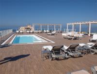Sunprime Waterfront: Feiner Dachpool mit famosem Blick auf das Mittelmeer