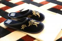 Manolo Blahnik 'Luxury Hotel Slippers'; Bildquellen prco.com