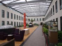 Das geräumige Atrium im Mercure Hotel MOA Berlin / Bildquelle: Sascha Brenning - Hotelier.de
