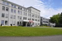 100 Jahre nach der Gründung ist das Miele-Werk Bielefeld, zeitgrößter und zweitältester Standort der Miele Gruppe, ein moderner Produktionsstandort für Haushalts-Geschirrspüler und Staubsauger sowie gewerbliche Spülgeräte für die Gastronomie und den Medizinbereich. 1.800 Mitarbeiterinnen und Mitarbeiter sind hier beschäftigt. / Bildquelle: Miele Professional