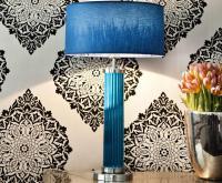 Moderne Tischleuete in blau, Bilderrechte Atelier Winter