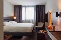 Musterzimmer des Moxy Stuttgart / Bildquelle: SV Hotel
