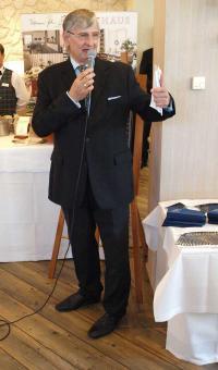 Norbert Bosse live auf der Eröffnung der Kühlungsborner Gourmettage / Bildquelle: Sascha Brenning - Hotelier.de