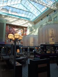 Zweifellos das Highlight des Hauses: The L.O.B.B.Y. - Bar, Restaurant und Veranstaltungslocation in einem atemberaubenden Atrium. Ob am Tag...