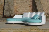 Neues Sofa, das auch Recamiere sein will: DIVA - ein Möbel, das seinen Namen alle Ehre macht!