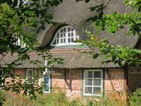 Reet-Ferienhaus Diekhof außen; Bildquellen neo-comm.de
