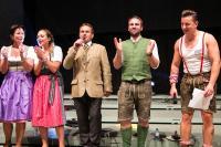 Das Bühnen-Highlight des Abends: Andreas Gabalier performt gemeinsam mit der Familie Resch den bei eingeweihten Kreisen schon legendären Resch&Frisch-Song / Fotograf: PELZL Roland Dr. - cityfoto